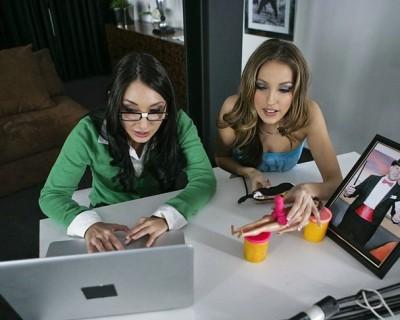 Sexy asian nerd Roxy Jezel and Jenna Haze fucked