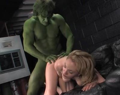 Hulk XXX : la parodie porno de Hulk en vidéo à télécharger